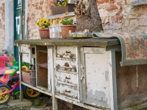 Where And How To Discard Old Furniture
