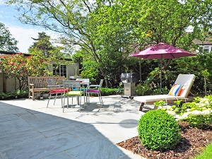 4 Ways to Get Your Yard Summer-Ready